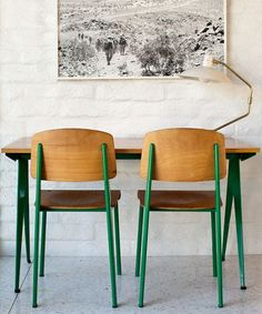 Kelly green is like the cool older sister in the paint family. She's sophisticated yet she brings the party. She's super opinionated — always good in small doses. So, we were smitten when we saw this midcentury-modern dining room table and chair set...
