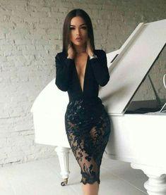 86619ff9f5d 28 meilleures images du tableau robe en dentelle noire