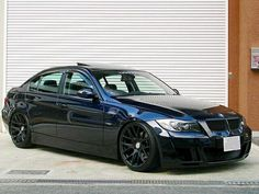 Clean Blacked Out 3 Series. I need this and a tint on my car! E90 335i, E92, E60 Bmw, Bmw 320d, Bmw Cars, Bmw Black, Bmw Sport, Bmw Wagon, Bmw Classic Cars