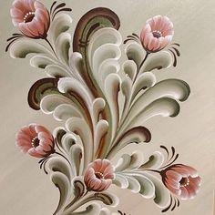 Part of a painting I painted earlier. Folk Art Flowers, Flower Art, Rosemaling Pattern, Norwegian Rosemaling, Fabric Paint Designs, Tole Painting Patterns, Scandinavian Folk Art, One Stroke Painting, Arte Popular