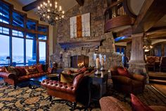 Very cozy ski lodge in Aspen, CO.  Wish I was there right now!