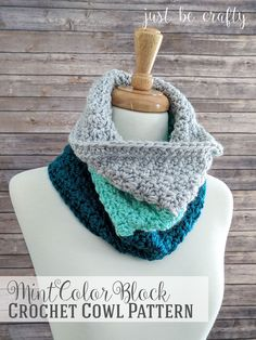 Mint Color Block Crochet Cowl | Free Crochet Pattern by Just Be Crafty