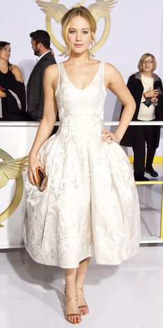 November 18, 2014 - Jennifer Lawrence in Dior Haute Couture