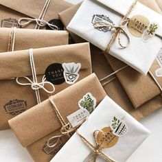 Likes, 17 Kommentare - Handmade Cards & Posters ( bei Ins . - curtidas, 17 comentários – Handmade Cards&Posters ( no Ins… - Wrapping Gift, Creative Gift Wrapping, Christmas Gift Wrapping, Creative Gifts, Christmas Gifts, Brown Paper Wrapping, Homemade Christmas, Creative Ideas, Holiday Gifts