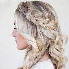 Long Box Braids: 67 Hairstyles To Upgrade Your Box Braids - Hairstyles Trends Curled Hair With Braid, Braids With Curls, Long Box Braids, Box Braids Hairstyles, Gothic Hairstyles, Beautiful Hairstyles, Hairstyle Braid, Hairstyle Short, Mariage Formel