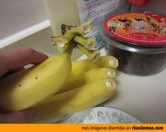 Lo que pasa cuando arrancas un plátano.