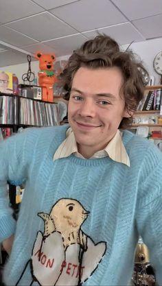 Alaina love too harry styles Harry Styles Cute, Harry Styles Pictures, Harry Edward Styles, Harry Styles Facts, Harry Styles Imagines, Beautiful Boys, Pretty Boys, Larry, Mr Style