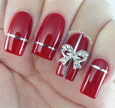 27 Festive and easy Christmas nail art designs you must see and try this holiday season.Capture the holiday spirit with these Christmas nail art ideas. Christmas Present Nails, Xmas Nails, Red Nails, Christmas Manicure, Christmas Time, Easy Christmas Nails, Christmas Ideas, Simple Christmas, Christmas Gifts