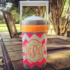 Glitter on cooler - Mix fine glitter with glossy Mod Podge. Let dry completely between layers. From the Cooler Connection Sorority Canvas, Sorority Paddles, Sorority Crafts, Sorority Recruitment, Crafts To Do, Arts And Crafts, Diy Crafts, Hand Painted Coolers, Kids Cheering