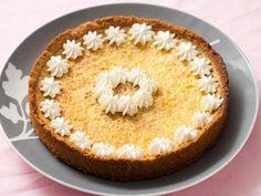 Tangerine Creamsicle Tart  http://www.huffingtonpost.com/2011/10/27/tangerine-creamsicle-tart_n_1056791.html