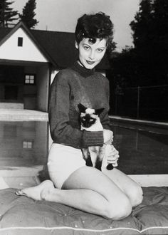 Ava Gardner and her siamese cat. SO many siamese cats in Hollywood in those…