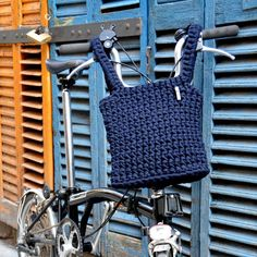 M. Brompton basket basket. Knit crochet with trapillo.