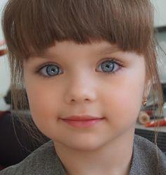 Bom dia by lugarfeminino Pretty Kids, Cute Kids, Cute Babies, Cute Girl Image, Girls Image, Beautiful Children, Beautiful Babies, Blue Eye Kids, Anastasia Beauty