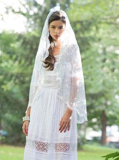 Lace trimmed bridal veil with embroidered blue by Foxandharedesign, $145.00