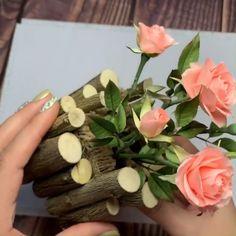Diy Home Crafts, Arts And Crafts, Paper Crafts, Decoupage Glass, Newspaper Basket, Driftwood Art, Bottle Art, Diy Hacks, Flower Arrangements