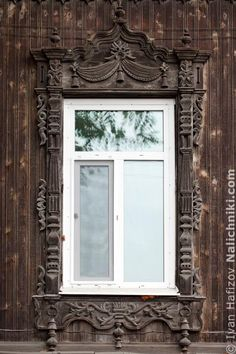 Томск, деревянный оконный наличник №13