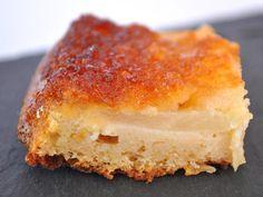 Moelleux aux pommes au Thermomix - Cookomix Dessert Thermomix, Robot Thermomix, Cornbread, Delicious Desserts, Caramel, Cheesecake, Brunch, Veggies, Fruit