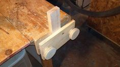 Simple bench vise