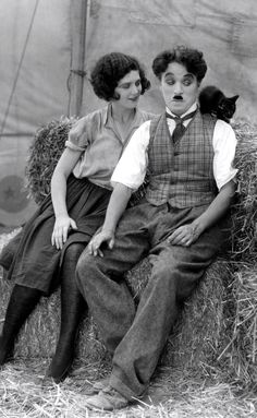 fuckyeahchaplin:  Charlie, a kitten  & Merna Kennedy in The...