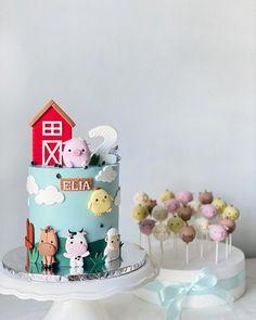 """The Hare, Secret Baking Home on Instagram: """"Farm animal cake & cake pops 🐷🐴🐮🐑 . #farmanimals #farmanimalcake #farmcake #animalcake #fondantanimals #cake #cakeporn #cakedecorating…"""""""