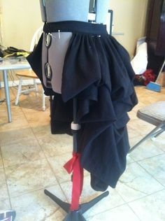 DIY steampunk bustle skirt
