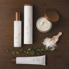 Have a case of the Mondays? Treat yourself to a spa experience at home tonight with Amala. Apply 1-2 tablespoons of our Detoxifying Body Polish in the shower, rinse, dry, and apply a few pumps of Detoxifying Body Oil for a silky smooth moisturizer that won't stick to clothing. Complete your at-home spa ritual by spritzing one of our Apothecary Mists onto linens for a relaxing, restful evening. #amalabeauty #naturalbeauty #spa #spaathome #detox #detoxify #diy