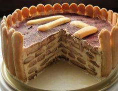 Für die Tiramisutorte den Vanillepudding zubereiten und vollständig erkalten lassen. Den kalten Vanillepudding mit Mascarpone, Topfen, Zucker,