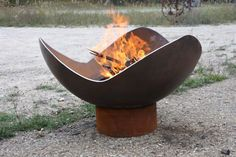 Mark in Watsonville, CA wanted a modified King Isosceles Sculptural Firebowl with a smooth undulating edge and reached out about ordering a custom 41 inch diameter firebowl. Although the design looks very simple, it may have been the most difficult I have ever created. Rounding off the sharp points of a King Isosceles is no big deal, but changing the points and troughs to broad curves is another thing entirely.