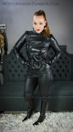 Leather makes a woman special. Leather High Heel Boots, Leather Gloves, Leather Pants, Heeled Boots, Sexy Outfits, Pretty Outfits, Leder Outfits, Latex Dress, Models