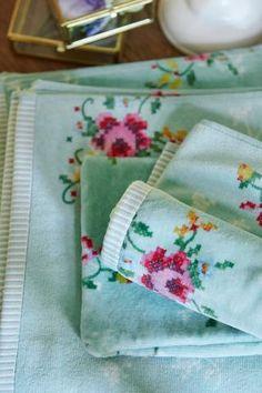 Pip Studio Granny towel green