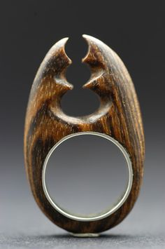 2 ROSES -= Corliss and John Rose. Jewelry Show, Hand Jewelry, Jewelry Art, Jewelry Rings, Wooden Rings, Wooden Jewelry, John Rose, Handmade Rings, Dremel