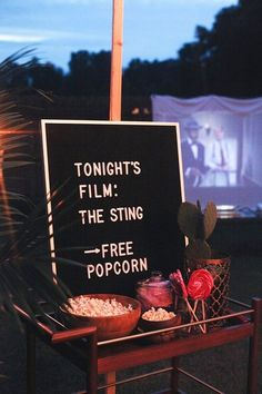 Backyard Movie Ideas - Movie Part in the great outdoors including easy recipes, seating hacks and party decor tips. ideas Backyard Movie Ideas for the Outdoors Backyard Movie Party, Outdoor Movie Party, Backyard Movie Theaters, Backyard Movie Nights, Outdoor Movie Nights, Outdoor Parties, Wedding Backyard, Backyard Birthday, Outdoor Weddings
