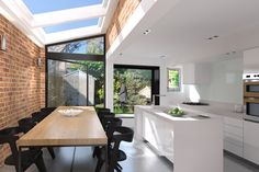 Private residence extension and side return on Relf Road, London Kitchen Extension Side Return, House Extension Plans, Kitchen Diner Extension, House Extension Design, Roof Extension, House Design, 1930s House Extension, Luz Natural, Townhouse Interior