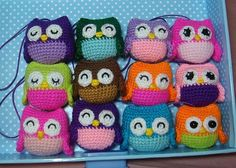 """Little Owls Free PDF Pattern here: http://www.ravelry.com/patterns/library/little-owls-2 ( click: """"little owl free pattern (PDF)"""" in grey letters) ( English Pattern on the right side)"""