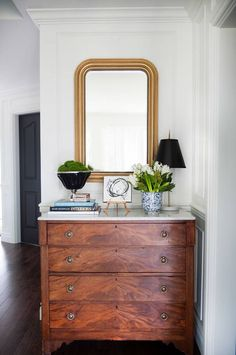 Perhaps the easiest way to add designer style to your home is by creating a beautiful vignette. We have put together some helpful tips to take your design up a notch by creating striking vignettes in your home. #meghanbasinger #vignette #homedecor #styling #decor