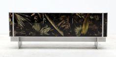 Flora Noir mobili con fiori e foglie in resina www. Milano Design Week .org
