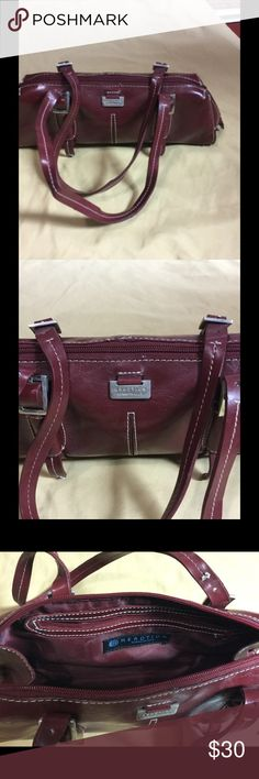 Amazing Burgundy Shoulder Bag Reaction by Kenneth Cole Amazing Burgundy Shoulder Bag, Excellent Condition, Used Once or Twice Kenneth Cole Reaction Bags Shoulder Bags