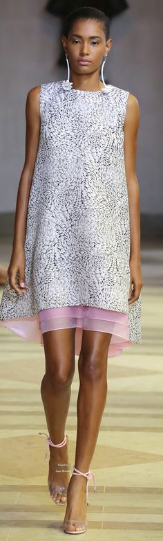 Carolina Herrera Collection Spring 2016 Ready-to-Wear