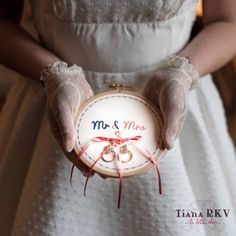 Tambour pour alliances 'Mr & Mrs' - Place du Mariage