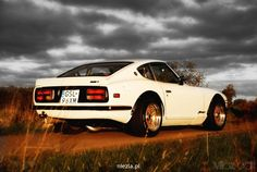 Pay homage to the classics...Nissan/Datsun 240z