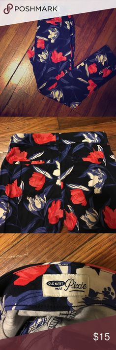 Old Navy Pixie Pants Floral printed pants ankle length Sz 0 Old Navy Pants Ankle & Cropped