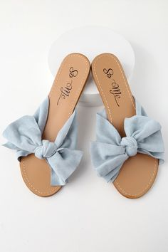 Ready or not the Josie Blue Suede Knotted Slide Sandals are a warm-weather staple! Sandals Outfit, Cute Sandals, Sport Sandals, Slide Sandals, Women's Shoes, Hot Shoes, Me Too Shoes, Shorts Outfits Women, Studded Heels