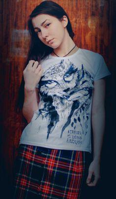 wolf t-shirt illustration by Lita Akhmetova