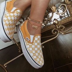 Slip on LV Vans gold n white cute custom shoes Cute Vans, Outfits Damen, Dream Shoes, Custom Shoes, Shoe Game, Me Too Shoes, Fashion Shoes, Footwear, Kicks