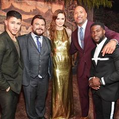 Jumanji: Welcome to The Jungle Hollywood Movie Premiere 2017. #therock #hollywood #jumanji #moviepriemere #movies #kevinhart #london #jackblack