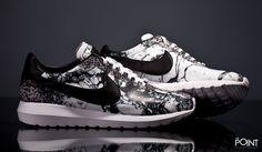 Zapatillas Nike Roshe LD 1000 Sw Qs, contamos con el modelo de zapatillas #NikeRosheLD1000 en colaboración con #SerenaWilliams, esta vez #Nike presenta el modelo en con un print que imita el marmol veteado en color negro y blanco, visita nuestra #sneakershop #ThePoint y descubre todas las novedades para este #OtoñoInvierno2015, http://www.thepoint.es/es/zapatillas-nike/1367-zapatillas-hombre-nike-roshe-ld-1000-sw-qs.html