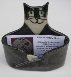 Business card Holder Cat Lover ceramic Handmade unique whimsical choose a working desk kitty - Ready to Ship - Keramik - Katzen - Hand Built Pottery, Slab Pottery, Ceramic Pottery, Business Card Displays, Business Card Holders, Pottery Animals, Ceramic Animals, Ceramics Projects, Clay Projects