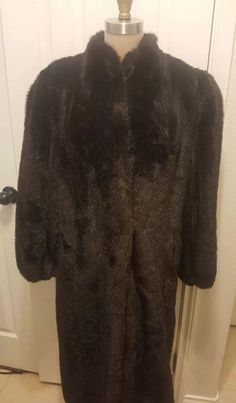 Suede with a fur collar. Not sure if it is real fur or faux fur. Total length is armpit to armpit is and sleeve length is Tiny amount of stitching is loose on the back near the bottom. Vintage Fur, Vintage Shoes, Vintage Ladies, Old School Fashion, Long Faux Fur Coat, Fur Collars, Winter Coat, Vintage Designs, Vintage Fashion