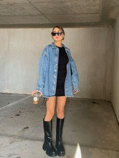 how to style a denim jacket for spring #denim #denimjacketoutfit #springoutfit #springoutfitidea Spring Trends, New Wardrobe, Spring Outfits, Otaku, Mood, Denim, Fitness, Cute, Jackets