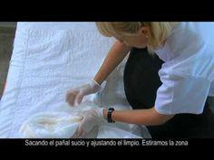 4 - Cambio de pañal cuando la persona está acostada #cuidador